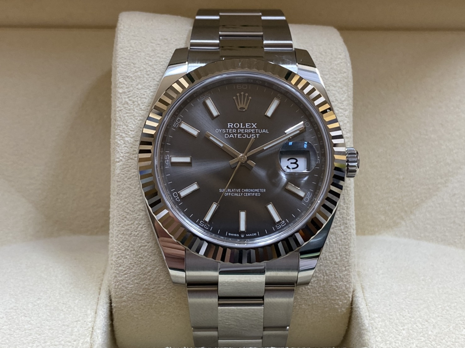 ブランド「ロレックス」商品名「デイトジャスト」型番「126334」カラー「グレー」