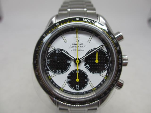 ブランド「オメガ」商品名「スピードマスター」型番「326.30.40.50.04.001」カラー「ホワイト」