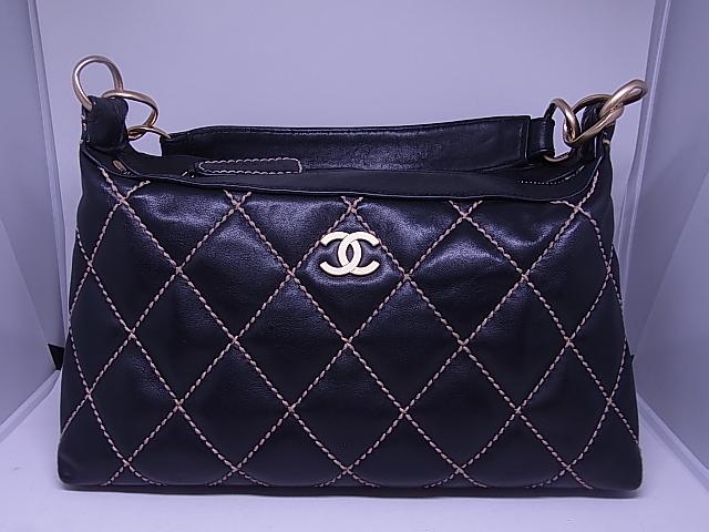 ブランド「シャネル」商品名「ワイルドステッチ ショルダーバッグ」カラー「ブラック」