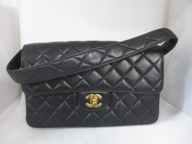 ブランド「シャネル」商品名「マトラッセ ラムスキン ショルダーバッグ」カラー「ブラック」